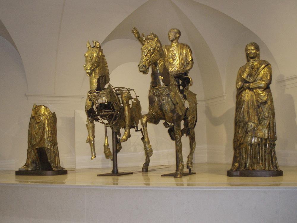bronzi_dorati_di_pergola